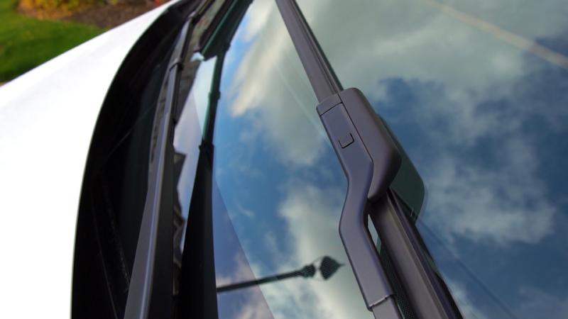 Picture of windshield wiper on Model Y